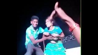 1~ Boob show in record dance