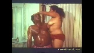 mallu hot aunty boobs oil massaged
